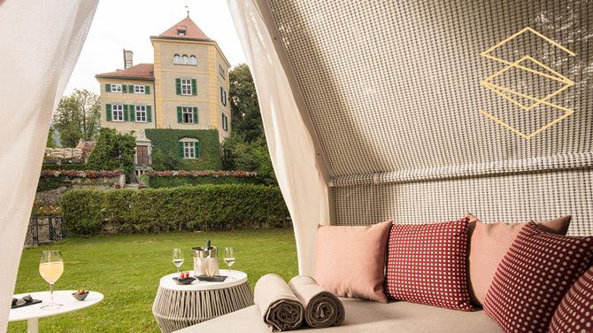 What is Schloss Schauenstein?